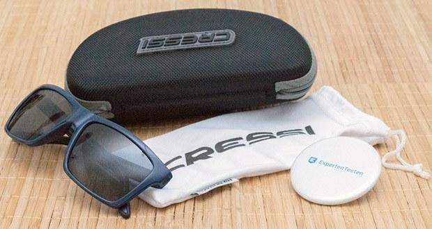 Die Sonnenbrille Rio von Cressi kommt mit einem Hartschalen Etui und einer Stofftasche gegen Kratzer für die Brille