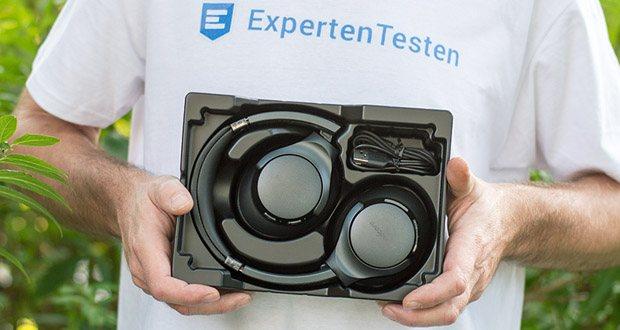 Soundcore Life Q20 Bluetooth Kopfhörer von Anker im Test - im Lieferumfang findest du das ideale Reiseetui für unterwegs, ein 3.5mm AUX-Kabel sowie ein Mikro-USB-Ladekabel