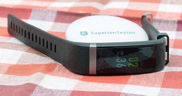 Smart Fitness-Uhr von Letscom im Test - stellen Sie in der App stille Alarme ein und lassen Sie sich vom Aktivitäts-Tracker stumm wecken
