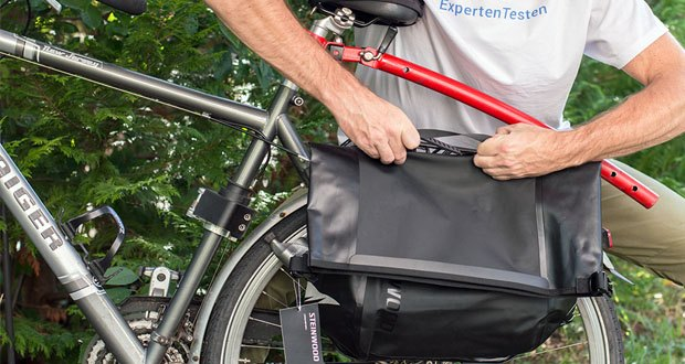Steinwood Premium Fahrradtasche im Test - Innentasche mit Reißverschluss im Hauptfach für Wertsachen