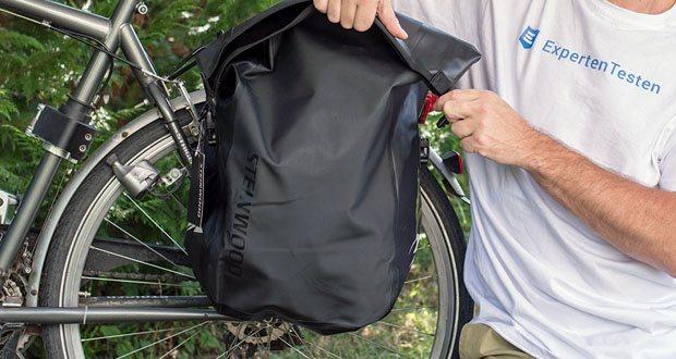 Die Steinwood Fahrradtaschen sind extrem schnell und sicher am Gepäckträger anzubringen