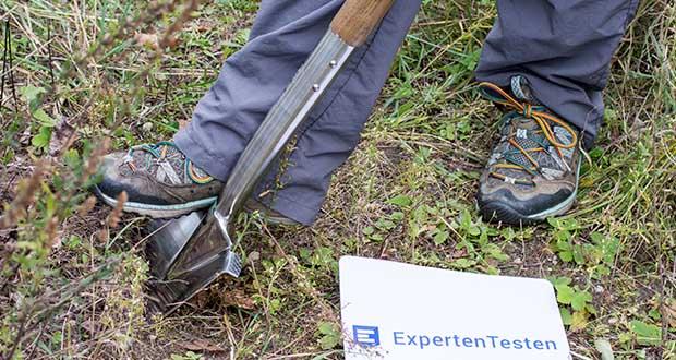 Spear & Jackson Traditioneller Edelstahl-Grabespaten im Test - Spiegelgehäuse für Rostbeständigkeit und möglichst geringes Anhaften von Erde