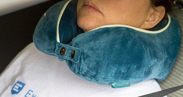 TravelFitter Reise Nackenkissen im Test - entspannt die Nackenmuskulatur optimal für lange Reisen unterwegs für Flugzeug, Zug oder Auto, aber auch beim Camping in der wunderschönen Natur