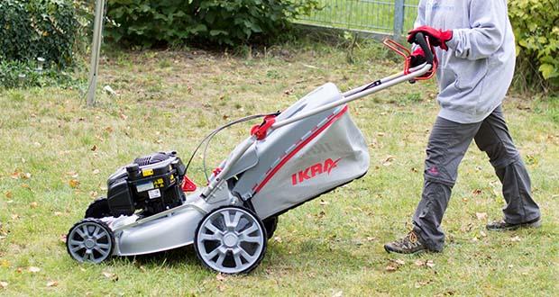 IKRA Benzin 4in1 Rasenmäher Mulcher im Test - Kein mühsames Schieben: kräfteschonendes und einfaches Mähen dank Eigenantrieb
