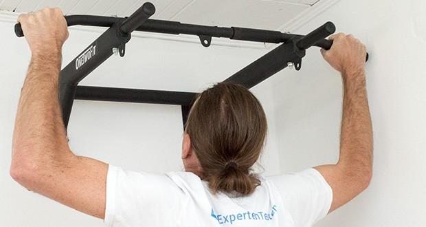OneTwoFit Multifunktionale Klimmzugstange für die Wandmontage im Test - reißfeste, gut gepolsterte Rücken- und Armpolster sorgen für Komfort beim Training von Bauch, Taille, Brust und der oberen Gliedmaßen