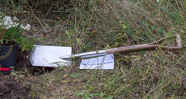 Spear & Jackson Traditioneller Edelstahl-Grabespaten im Test - aus hochglanzpoliertem Edelstahl