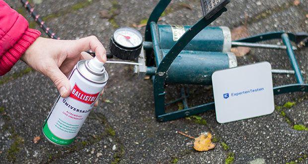 Ballistol Universalöl Waffenöl im Test - Haushalt: Wirkt gegen hakende Schlösser und quitschende Schaniere