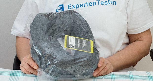 HIKENTURE Reise Nackenkissen im Test - das Kern des Reisekissen besteht aus hochwertigem viskoelastischem Memory Foam