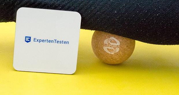 SAPURA Faszienball aus Naturkork im Test - durch die geringe Oberfläche bearbeitet der Faszienball auch die Fußmuskulatur und Plantarfaszie, was mit einer klassischen Rolle nicht möglich ist