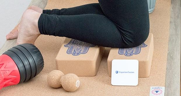 SAPURA Yogablock aus Naturkork im Test - bei komplexen Yogastilen wie Tri Yoga, Iyengar Yoga und Yin Yoga sind Yogablöcke sogar ein elementarer Bestandteil