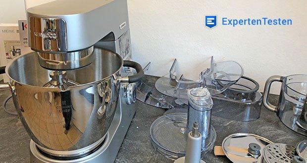 Kenwood Cooking Chef Gourmet KCC9060S Küchenmaschine im Test - Set enthält: Küchenmaschine, Spritzschutz, 5-teiliges Patisserie-Set bestehend aus K-Haken, Profi-Ballonschneebesen und Knethaken aus Edelstahl, Koch-Rührelement und Flexi-Rührelement, ThermoResist Glas-Mixaufsatz, Dampfgarsieb, Multi-<a href=