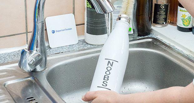 Noobs Premium Thermosflasche 500ml weiß im Test - die Flasche darf nicht in die Spülmaschine, da Edelstahlprodukte generell nie in die Spülmaschine dürfen