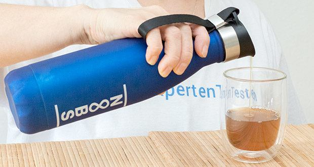 Noobs Premium Trinkflasche 500ml blau im Test - durch den Lufteinlass fließt das Wasser angenehm und an einem Stück raus, ohne lästiges gluckern