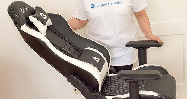 KLIM Esports Gaming Stuhl im Test - Du kannst den Sitz bis 160° verstellen, erhöhen oder senken und die Armlehnen in sechs Richtungen anpassen