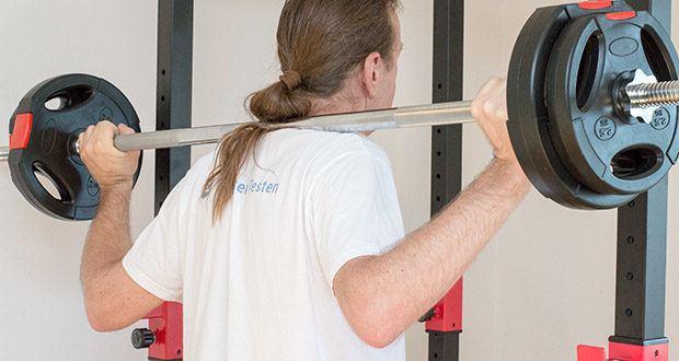 Wellactive Langhantelstange im Test - sicherer Halt durch kreuzgerändelte Griffstellen auch bei vielen Wiederholungen und intensivem Training