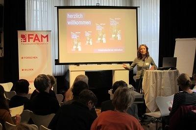 Das Interview über die Mitglieder vom Verein Frauenakademie München e.V.