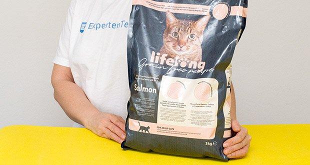 Lifelong Katzen Trockenfutter mit Lachs im Test - hochwertige Rezeptur mit 55 % Lachs