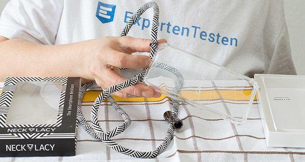 NECKLACY Domino Swirl Handycase für iPhone 7/8 im Test - das härtere Rückteil des Cases ist dabei aus Acryl und der elastischere Rahmen aus TPU
