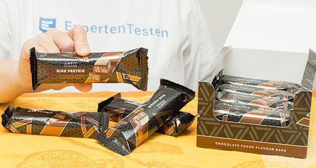 Amfit Nutrition Protein-Riegel mit Schokoladen-Fudge im Test - über 19g Protein pro Riegel