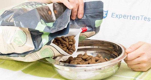 Lifelong Hundefutter für ausgewachsene Hunde mit Lamm im Test - mit Früchten und Gemüse, die eine Quelle natürlicher Antioxidationsmittel sind