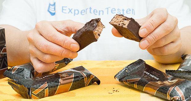 Amfit Nutrition Protein-Riegel mit Schokoladen-Fudge im Test - proteingefüllter Snack für unterwegs