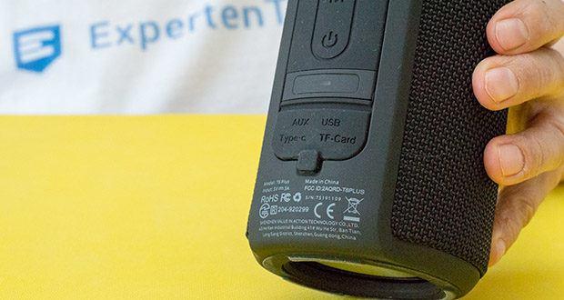 Tronsmart T6 Plus Bluetooth Lautsprecher im Test - darüber hinaus ermöglichen die TF / Micro SD-Karte und das mitgelieferte 3,5-mm-AUX-Eingangskabel eine mühelose Verbindung mit Nicht-Bluetooth-Geräten