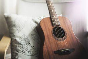 Darauf müssen Sie achten, wenn Sie einen Online Gitarrenkurs buchen