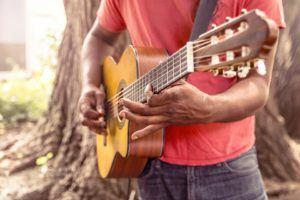 FAQ Online Gitarrenkurs im Test und Vergleich