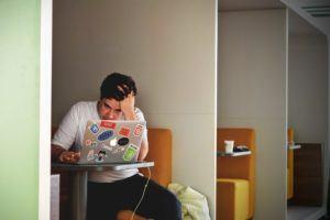 Das sind die häufige Nachteile in einem Python Online Kurs Test und Vergleich