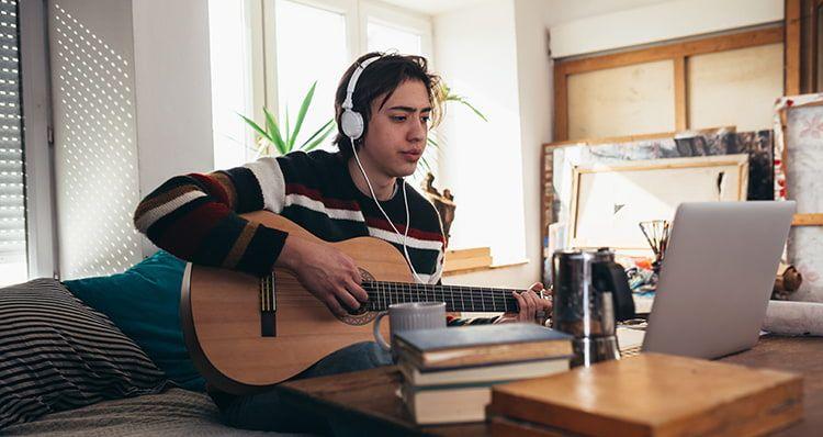 Online Gitarrenkurse im Test auf ExpertenTesten.de