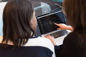Python online Kurs im Test und Vergleich