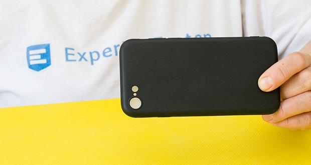 EasyAcc Hülle für iPhone 7/8/SE Schwarz im Test - perfekter Sitz für das iPhone 7 / 8 / iPhone SE 2020