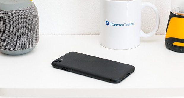EasyAcc Hülle für iPhone 7/8/SE Schwarz im Test - behält das ursprüngliche Design vom Telefon und hält alles beisammen
