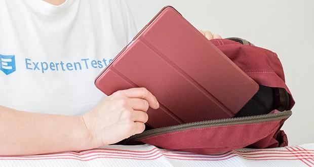 EasyAcc Hülle für iPad 5/6 im Test - eingebauter Magnet des Schlaf / Wach-Funktion zu steuern sowie um die vordere Abdeckung fest auf Ihrem iPad, wenn sie geschlossen