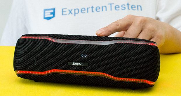 EasyAcc F10 Bluetooth Lautsprecher im Test - einfach die Play/Pause-Taste kurz zu drücken, um Anrufe anzunehmen, oder die Play/Pause-Taste lang zu drücken, um Anrufe abzuweisen