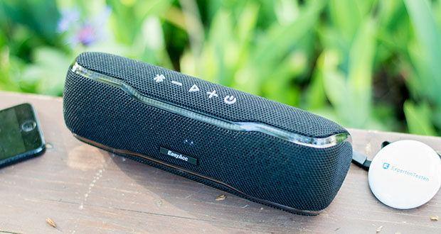 EasyAcc F10 Bluetooth Lautsprecher im Test - der Party Booster und die eingebauten Lichteffekten bieten ein 3D-Festival-Erlebnis