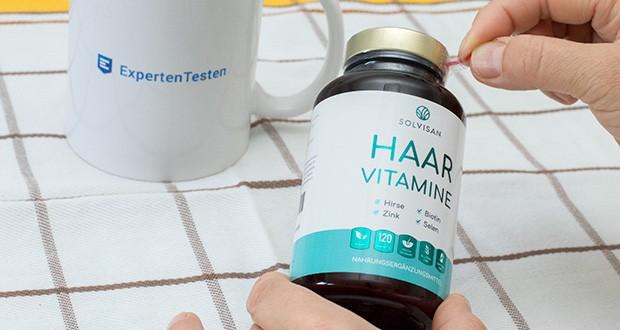 SOLVISAN Haar Vitamine im Test - wichtige Vitamine: Biotin (1500 μg), Folsäure (400 μg), Vitamin B1 (3,3 mg), B2 (4,2 mg), B6 (3,5 mg), Vitamin C (46,5 mg) erweitern die Inhaltsstoffe