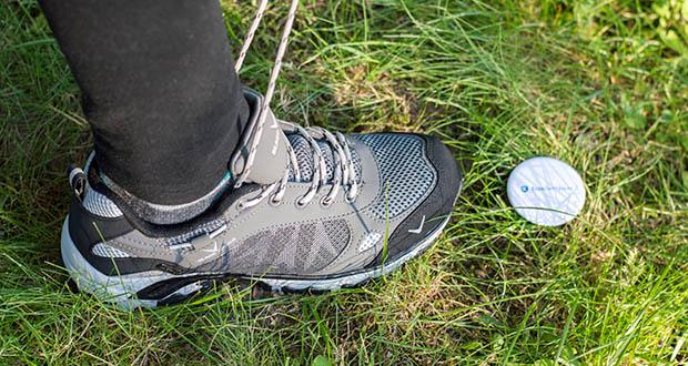 Blackcrevice Damen Low-Cut Wanderschuhe im Test - die spezielle Beschichtung sorgt dafür, dass der Schuh sowohl wasserdicht als auch winddicht und atmungsaktiv ist