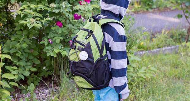 Blackcrevice Kinder Rucksack Explorer im Test - an den Seiten ist der Rucksack mit zwei Mesh-Taschen ausgestattet, in denen z.B. Getränkeflaschen transportiert werden können