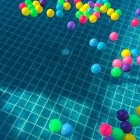 Den Pool und den Poolboden richtig reinigen und pflegen