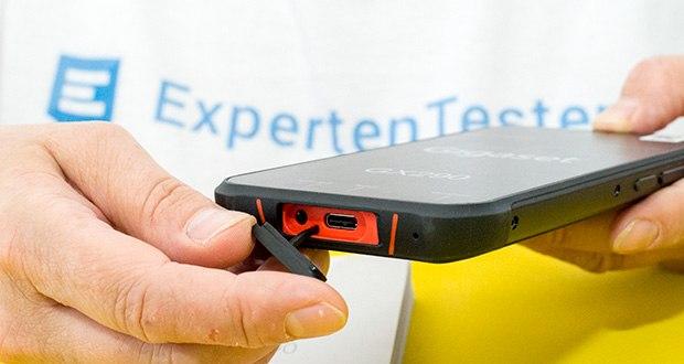Gigaset Outdoor Smartphone GX290 im Test - der ausdauernde 6000 mAh Akku überzeugt mit bis zu 24 Stunden Sprechzeit und 25 Tagen Standby sowie Schnell-Ladefunktion