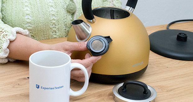 STEPLER Retro-Design Wasserkocher im Test - der Kalkfilter ist zur Reinigung leicht entnehmbar und spülmaschinengeeignet