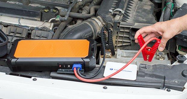Autowit SuperCap 2 Starthilfe im Test - befestigen Sie beide Boostklemmen an den entsprechenden Batteriepolen Ihres Fahrzeugs