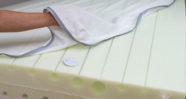 Emma One Matratze 140x200 im Test - auch der offenzellige Airgocell® Schaum unterstützt das angenehme Schlafklima, da er ebenso zu einem guten Feuchtigkeitsabtransport beiträgt