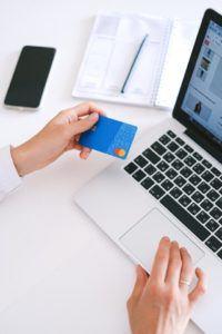 Nach diesen Testkriterien werden Online Banken bei uns verglichen