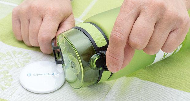 Ion8 Sportflasche im Test - das Flip-Top hält den Auslauf hygienisch und sauber