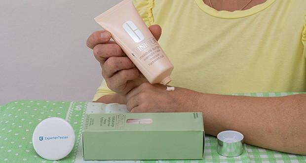 CLINIQUE Moisture Surge Overnight Mask im Test - die Haut wirkt prall, rosig, glatt und geschmeidig