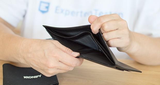 KRONIFY Herren Geldbörse im Test - Geldscheine passen ungefaltet in die beiden großen Fächer