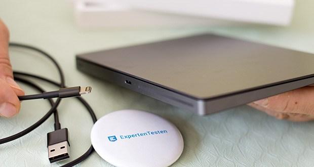 Apple Magic Trackpad 2 im Test - die Batterie im Magic Trackpad 2 hält einen Monat oder länger