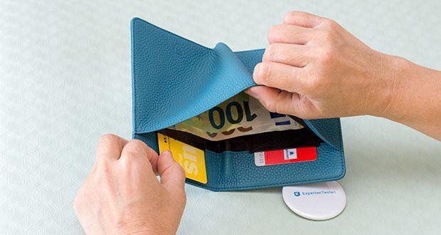 Vaultskin Kensington Reisepasshülle im Test - außerdem sind 2 geheime Fächer angebracht, um Ihre 2 wichtigsten Karten unterzubringen
